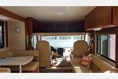 2012 Thor Motor Coach A.C.E  Troy, MI