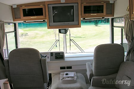 2005 Winnebago Itasca Sunova 30B  Priest River, ID