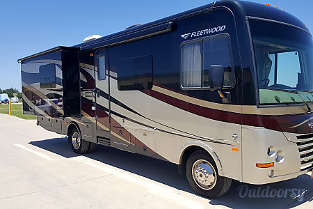 0Fleetwood Terra - 31' Class A with Bunks  Riverview, FL