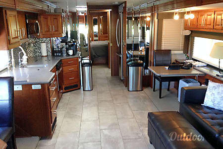 2005 American Coach 40j  Deerfield Beach, FL