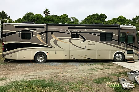 02008 Tiffin Motorhomes Allegro Bus  Spring Valley, CA