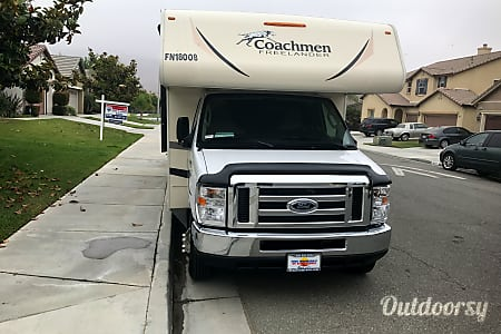 02018 freelander coachmen  San Jacinto, California