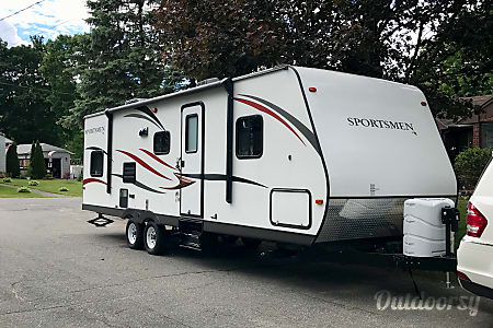 2015  30 ft Sportsman Showstopper  Haverhill, MA
