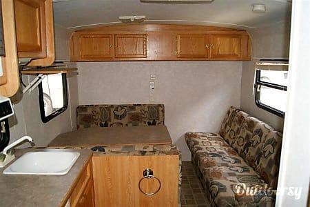 2002 Roadmaster Campmaster  Rochester, NY