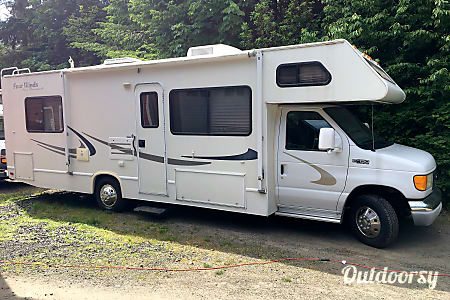 2004 Thor Motor Coach Four Winds  Port Orchard, WA