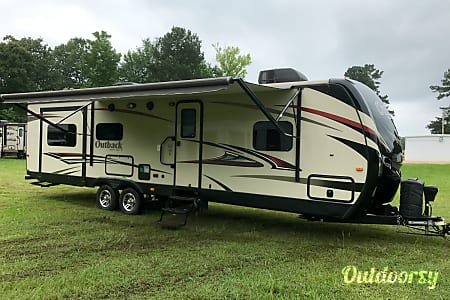 Beautiful 2015 Keystone Outback  Benton, LA