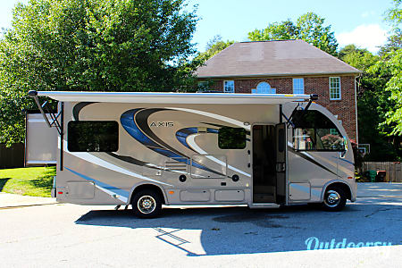 02016 Thor Motor Coach Axis 25.2  High Point, NC
