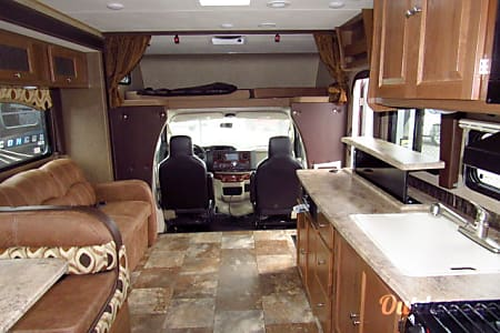 2017 Coachmen 32' - Sleeps 8  Camas, Washington
