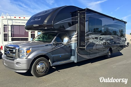 2016 Thor Motor Coach Four Winds  White Plains, MD