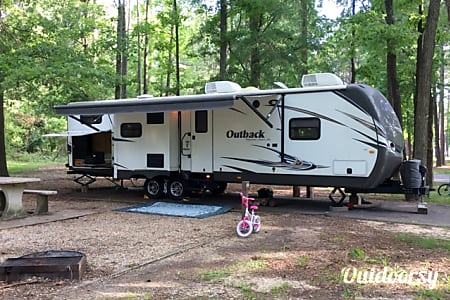 02014 Keystone Outback Bunkhouse - like new!!  Glenpool, Oklahoma