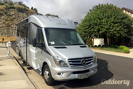 02017 Unity FX Leisure Travel Van  Westlake Village, CA
