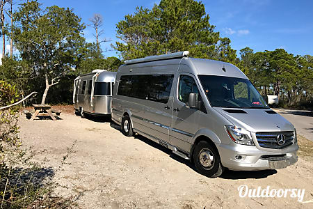 02014 Mercedes Benz 8 Passenger Airstream Interstate  Inver Grove Heights, Minnesota