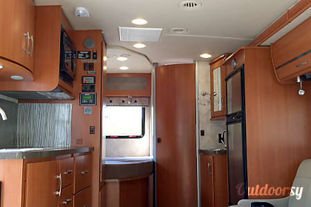 Luxurious Winnebago in the Heart of National Parks Country  Draper, Utah