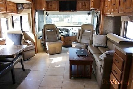 2014 Tiffin Motorhomes Allegro Red  Farmersville, Texas