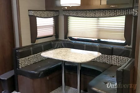 ULTIMATE LUXURY RV   HARLEY HEAVEN  Daytona Beach, Florida