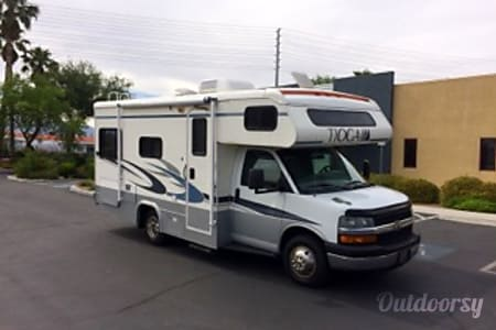 0CHEVY 24FT CLASS C RV SLEEPS 6 DRIVES LIKE A CAR NICK NAME (SHORTY)  Las Vegas, NV