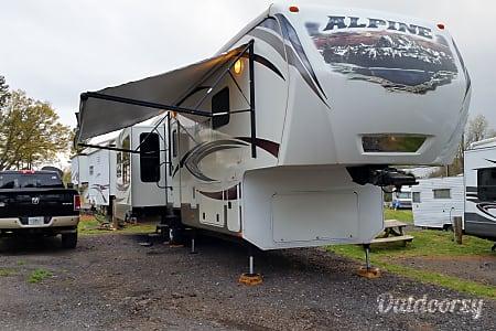 2013 Keystone Alpine 3535  Orlando, Florida
