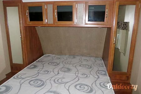 Ultra lite bunk house that sleeps 10 comfortably and be pulled by your SUV  Parker, Texas