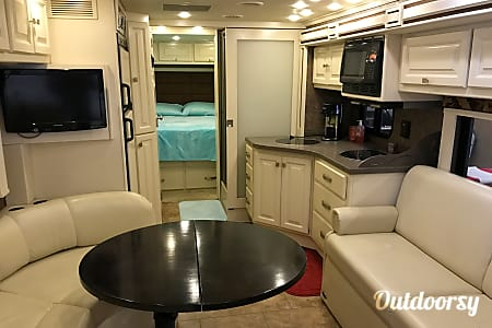 02011 Tiffin Motorhomes Allegro Breeze  Cochranton, Pennsylvania