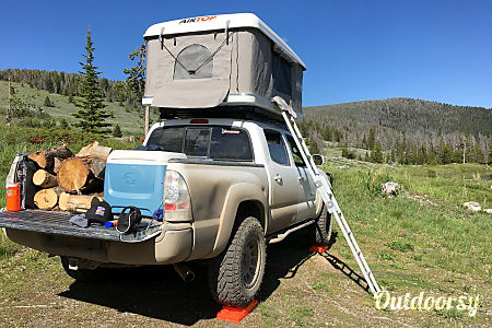 2006 Toyota Tacoma with Roof Top Tent  Livingston, MT