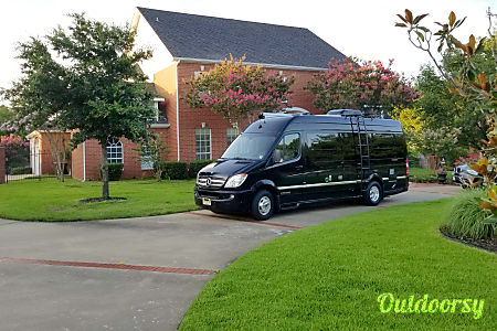 2014 AIRSTREAM INTERSTATE 9 Lounge Extended (Mercedes Benz 9 Passenger) FOR SALE  Tenafly, NJ