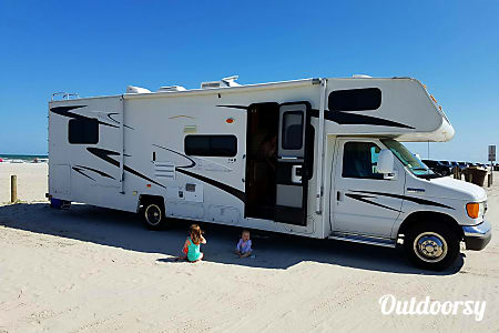 2009 Coachmen Sleep 8 Only 13k miles !!  San Antonio, TX