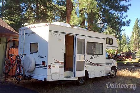 Eagle 5  - Sleeps 4 Adults 2 Kids - 2002 Itasca Spirit  Truckee, California