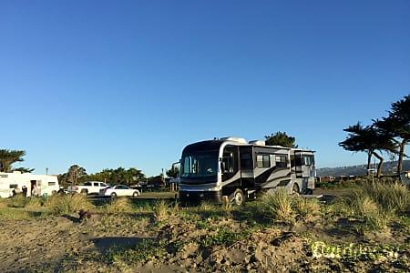 2003 Fleetwood Motorcoach  Las Vegas, Nevada