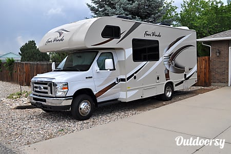 02017 Thor Motor Coach Four Winds  Loveland, CO