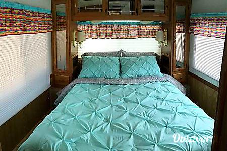 1998 Airstream Land Yacht  Bakersfield, California