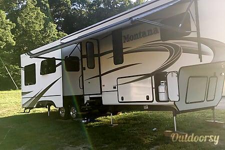 2014 Keystone Montana  Dittmer, Missouri