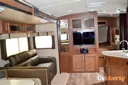 Family Friendly Value 2014 Aerolite Travel Trailer  Pearland, Texas