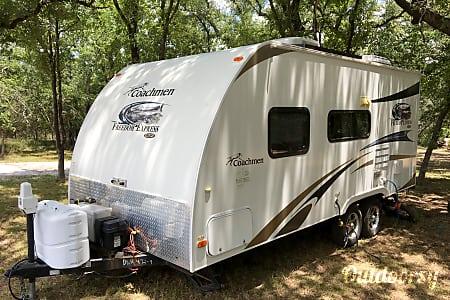 2012 Coachmen Freedom Express  Marble Falls, Texas