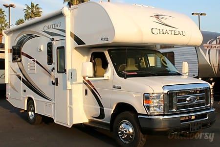 02017 Thor Chateau - 24'  Lodi, California