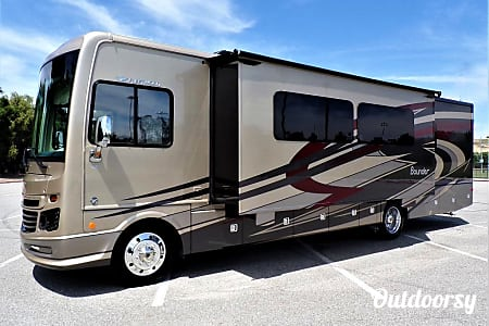 2018 Fleetwood Bounder  Lonoke, Arkansas