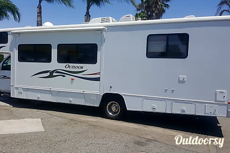 02007 Winnebago Outlook 3  5XSC837  CORONA, CA