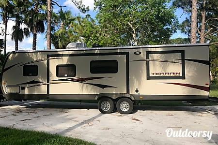 02013 Keystone Outback Terrain Ultra Lite  Loxahatchee, FL