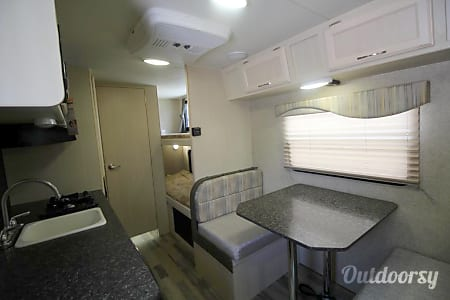 2018 Winnebago Micro Minnie  Placerville, CA
