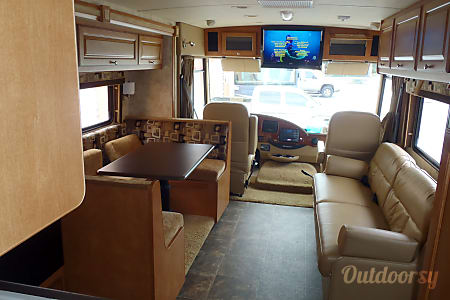 Winnebago Sunstar 33  Miami, FL
