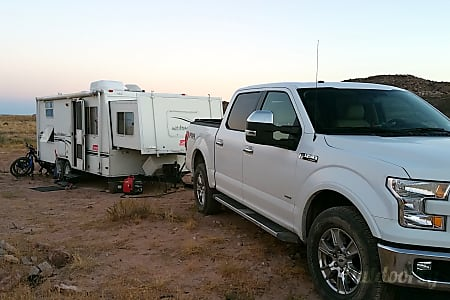 Coleman Caravan EXT 23B - bunks, grill, hard slideout  Arvada, CO