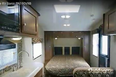 2014 Venture Rv Sonic 190VRB;  Couples Retreat, Pets welcomed.  Saint Charles, Missouri