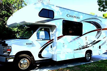02017 Thor Motor Coach Chateau  Temecula, California