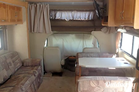 Forest River Sunseeker Class C 30ft RV ( Living Room Slide & Bedroom Slide )  Fontana, California