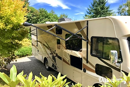 2016 Thor Motor Coach A.C.E  Lake Forest Park, Washington