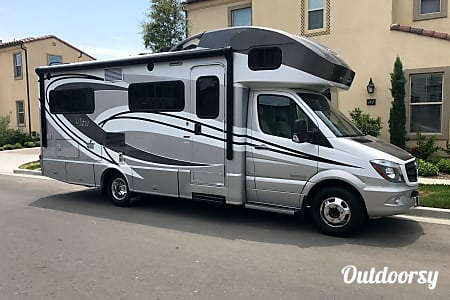 2015 Winnebago View  Tustin, California