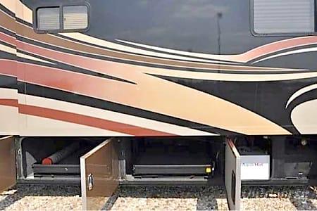 2009 Monaco Camelot 42DSQ Bath and a half!  Beautiful Coach  Arvada, Colorado