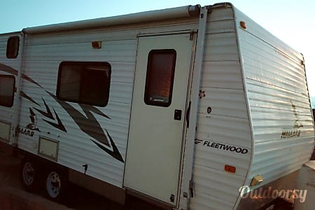02008 Fleetwood Mallard  Santa Paula, CA