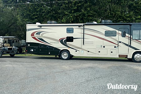 New 2018 38' Georgetown Loaded With Luxury  Acworth, GA