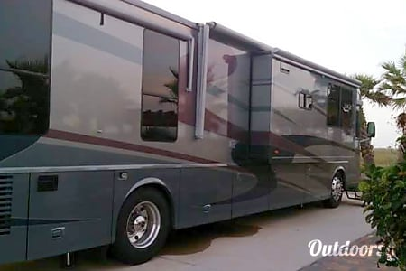 02005 Winnebago Vectra  Houston, TX