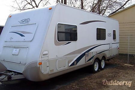 2005 R-Vision 8240  Freeport, Florida